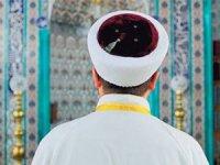 Kartal'da cami imamı Binali Yıldırım için oy istedi