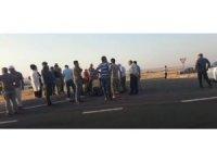 İpek yolunda otomobil ile motosiklet çarpıştı: 1 ölü
