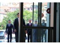 Bakan Akar, Bahçeli ile görüşmek için MHP'de
