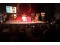 Ünlü tiyatrocu Enis Fosforoğlu için tören düzenlendi