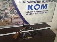 Antalya'da silah kaçakçılığı operasyonu: 3 gözaltı