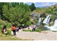 Muradiye Şelalesi'ne ziyaretçi yoğunluğu