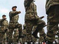 Askerliği 6 aya düşüren teklif yasalaştı!