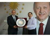 """Başkan Demir: """"Hizmette ayrım olmayacak"""""""
