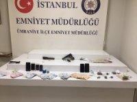 Ümraniye'de uyuşturucu satıcıları polis tarafından yakalandı