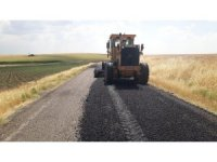 Kırsal mahallelerde yol bakım ve onarım çalışmaları sürüyor