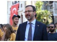 Bakan Kasapoğlu'ndan Özgür Varlık'a tebrik mesajı