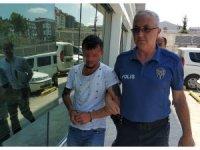 Cep telefonu hırsızı önce kameraya, sonra polise yakalandı