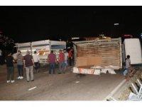 Kamyonetlerin çarpıştığı kazada 3 kişi yaralandı
