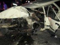İzmir'de 3 otomobilin karıştığı trafik kazasında 1 kişi öldü, 2 kişi yaralandı