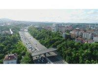 FSM Köprüsü'nde bakım onarım çalışmaları nedeniyle oluşan trafik yoğunluğu havadan görüntülendi