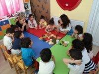 Çiğli'deki anaokullarına diyetisyen desteği