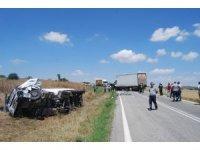 Asfalt yüklü tır, kamyonla kafa kafaya çarpıştı: 2 ağır yaralı