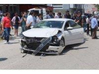 Tekirdağ'da iki araç çarpıştı: 3 yaralı