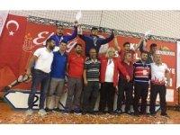 Vanlı güreşçi Türkiye birincisi oldu