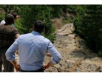 Bolu'da, sel sonrası oluşan göçükler onarılıyor