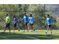 Sözleşme imzalamayan futbolcular Bolu'da kampa girdi