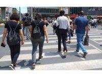 Başkent'te yayalara 5 bin 724 lira idari para cezası uygulandı.