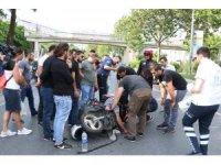 Şişli'de motosikletli kurye minibüse çarptı