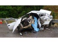 Isparta'da feci kaza: Gelin, kaynana ve kayınpeder hayatını kaybetti