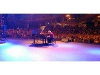 Gülsin Onay'ın piyano resitali dinleyicilerden tam not aldı