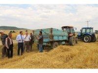 Dumlupınar'da ürün hasadı yapan biçerdöverlerde hasat kontrolleri yapıldı