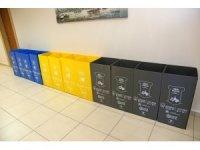 Ataşehir Belediyesi'nde çöp kovaları gitti, atık toplama kutuları geldi