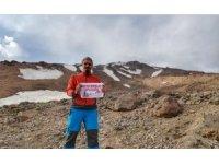 Orta Doğu'nun en yüksek dağında Türk bayrağı dalgalandırdı