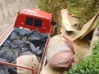 Rizeli'nin topladığı çayı kamyona yüklemek için bulduğu yöntem güldürdü