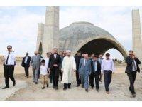 Ali Erbaş'tan Tıbbiye Camii ve Külliyesi'ne ziyaret