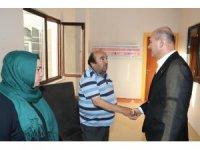 Bakan Soylu'dan yaralı polisin ailesine ziyaret
