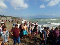Samandağ Denizi'nde 1 günde 8 kişi boğulma tehlikesi geçirdi