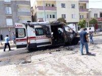 Silopi'de seyir halindeki ambulans alev aldı
