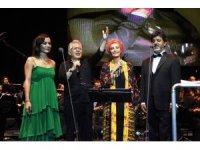 Zülfü Livaneli konserine ünlüler akın etti