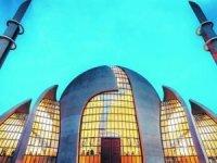 Almanya'da camiye bombalı tehdit!