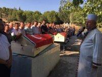 Ölüme birlikte giden ikiz kardeşler toprağa verildi
