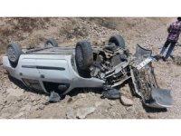 Ters dönen otomobilden yaralı kurtuldu