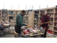 İstanbul'dan Siirt'te 400 kitap gönderildi