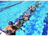 Osmangazi'de çocuklar için yüzme vakti