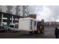 Bingöl'de 17  metruk ve 25  kaçak yapı yıkıldı