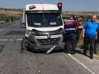 Arnavutköy'de iki araç kafa kafaya çarpıştı: 4 yaralı