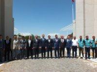 Malazgirt Zafer Anıtı'nda çevre temizliği