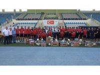 Kırıkkale Belediyesinden Büyük Anadolu Kırıkkalespor'a spor malzemesi yardımı