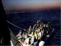 Ayvalık'ta 51 göçmen yakalandı