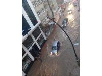 10 dakikada metrekareye 30 kg yağış düştü