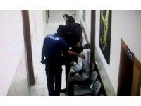 Polis memurundan duygulandıran davranış