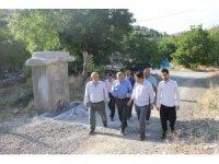 Müftü Çetin, Kemah'ın köylerinde incelemede bulundu