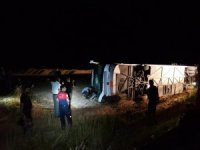 Nusaybin'de otobüs devrildi: 10 yaralı
