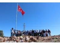 Beyşehir Adaköy'e şehitler anısına Türk bayrağı dikildi