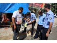 Haliliye'de kurban kesim alanlarında sıkı denetimler yapıldı